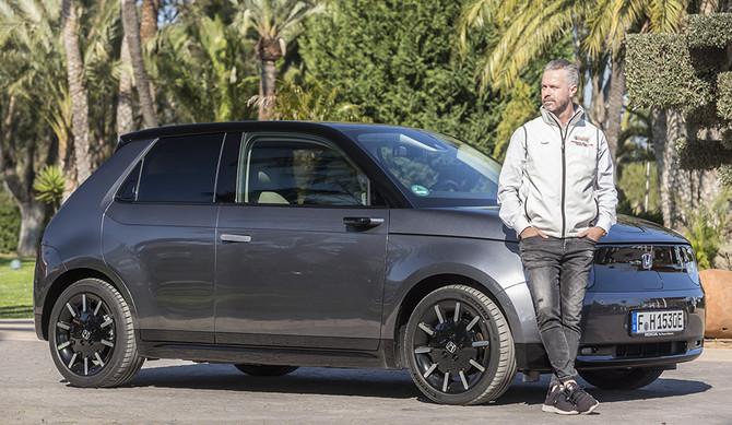 Tiago Monteiro partilha a sua experiência de condução do Honda e