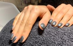 Gelnägel Naildesign Grey matt