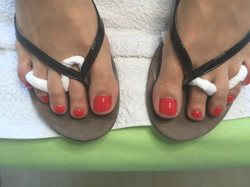 Fußnägel in Rot