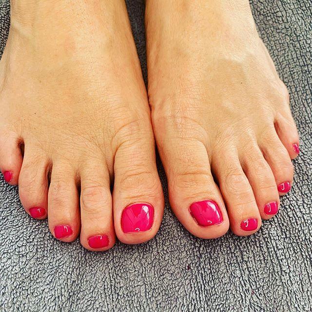 Shelac Pink Pediküre