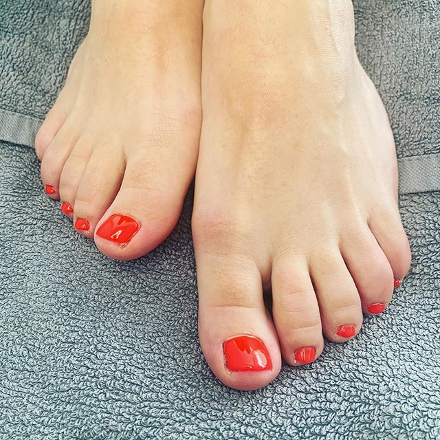 Shellac Pedicure...