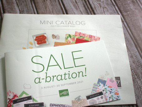 Unboxing the new Mini Catalog and Sale-a-bration coming in Aug