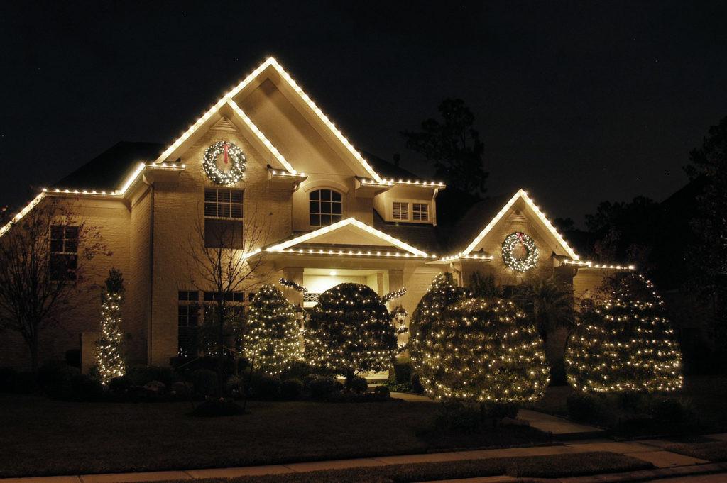 Residential_ChristmasLights5-1024x681.jp
