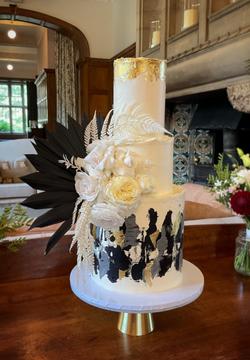 Modern Wedding Cake Sussex_edited