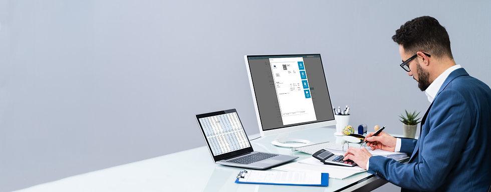 Computer mit Rechnung.jpg