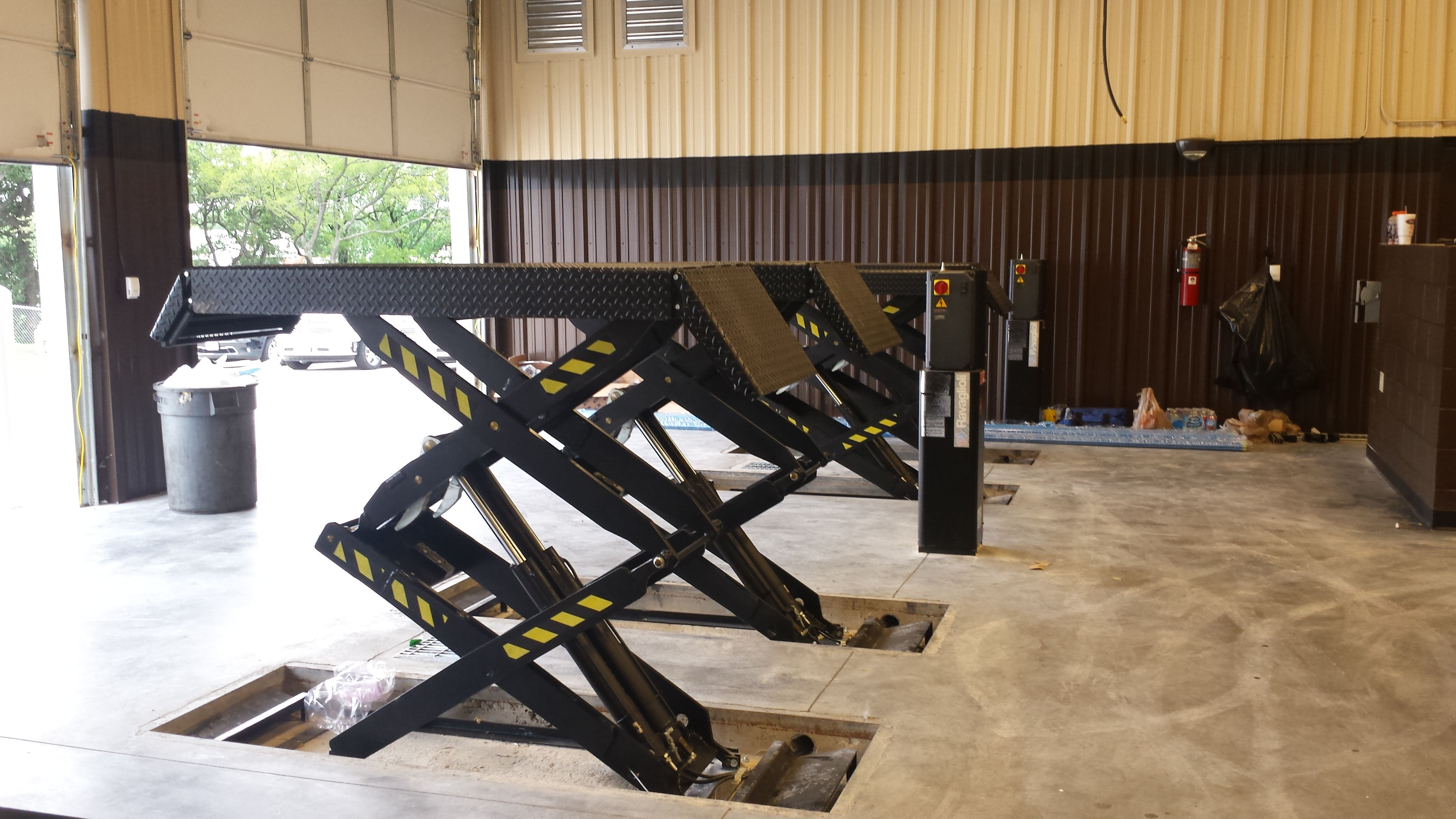 Rav Scissor Lifts