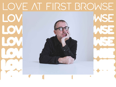 Love at First Browse / Ivan Carozzi