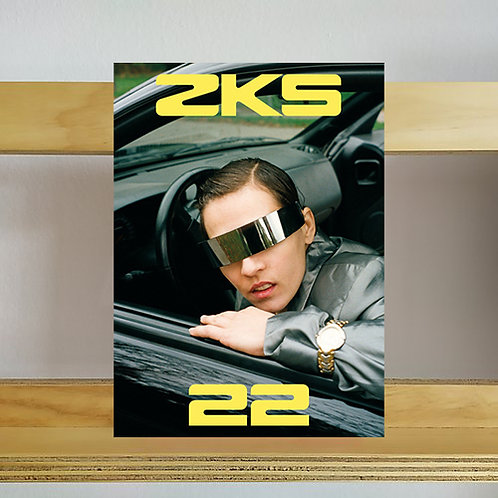 Zweikommasieben Magazine - Issue 22 - Reading Room