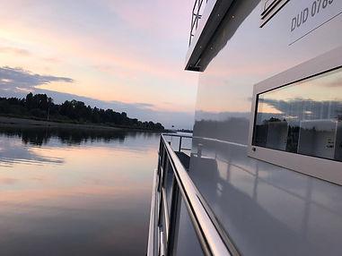 Hausboot Cruising Home auf Fahrt