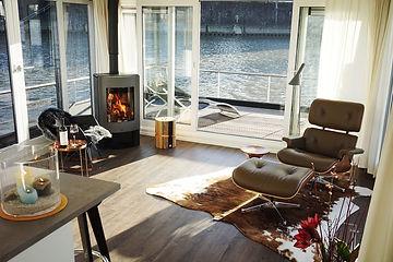 Wohnzimmer im Hausboot Traveller L.jpg