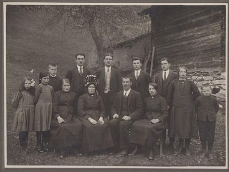 Familienbilder über drei Generationen