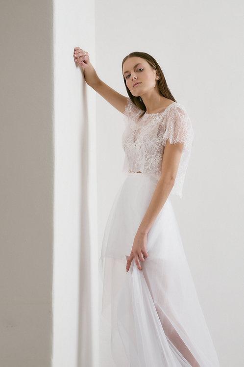 Romantické šaty s krajkovým topem (kolekce 2021)