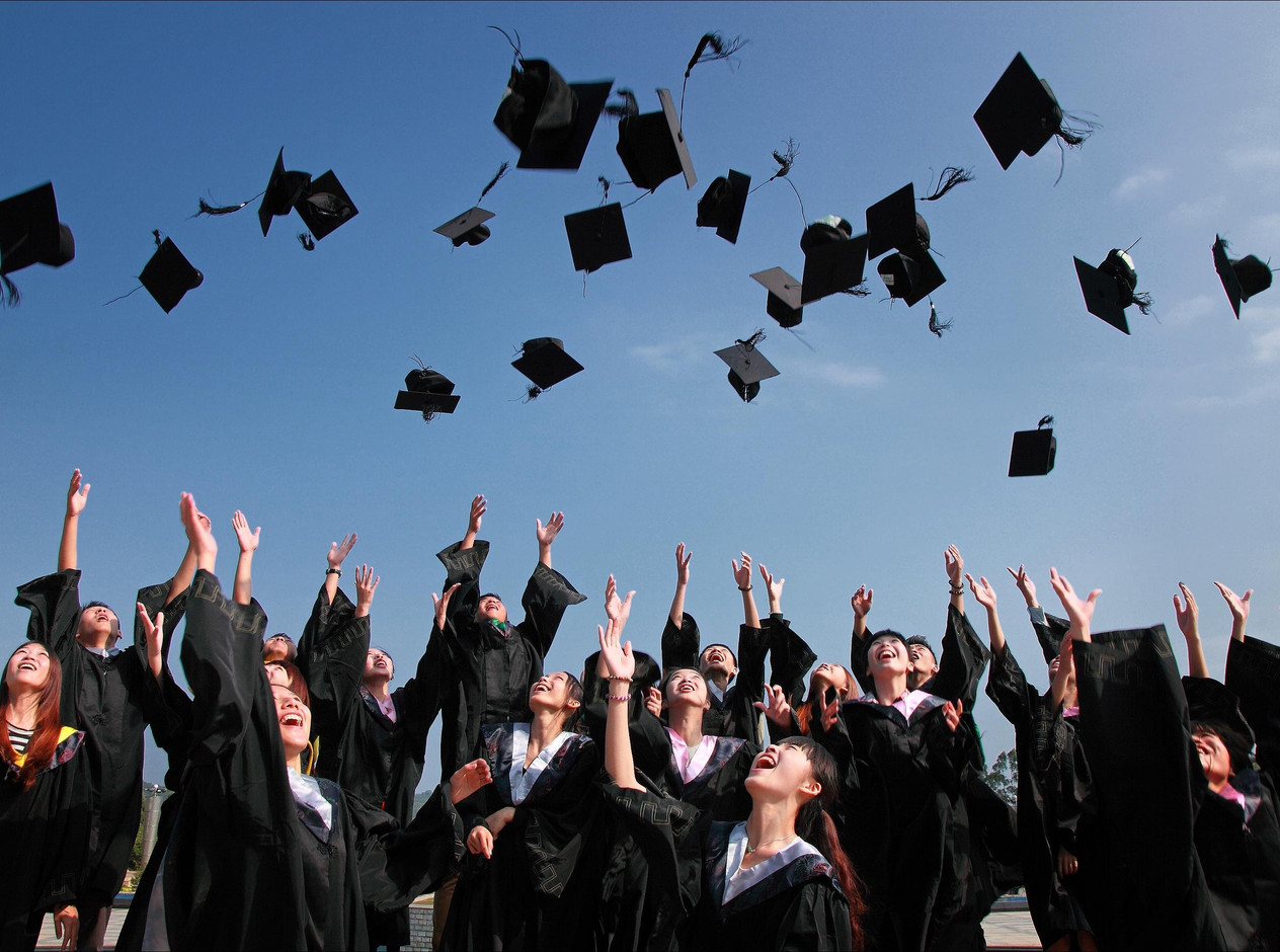 A Senior's Bucket List: 16 Things to do Before Graduation