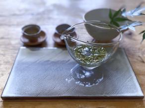 暑い日には 氷出しの安吉白茶