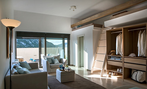 Luxury rental villa in Athens