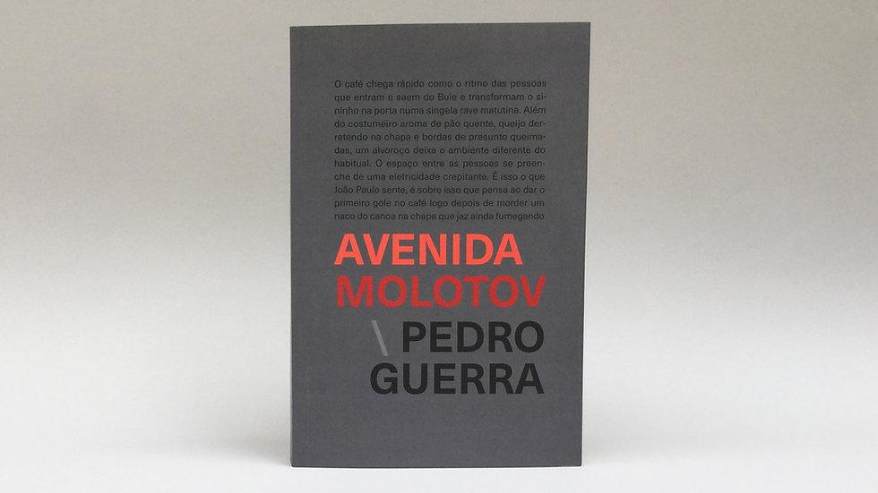 Avenida Molotov / Pedro Guerra