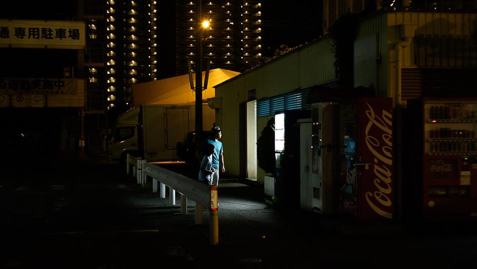"""MOON EXHIBITION  Le Fashion Post             """"moon eclaire nos nuits parisiennes"""""""