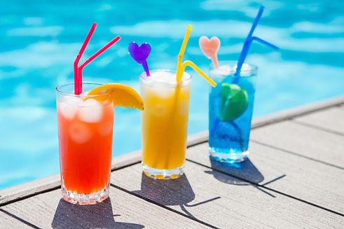 Cocktails auf Sonnendeck am Bodensee