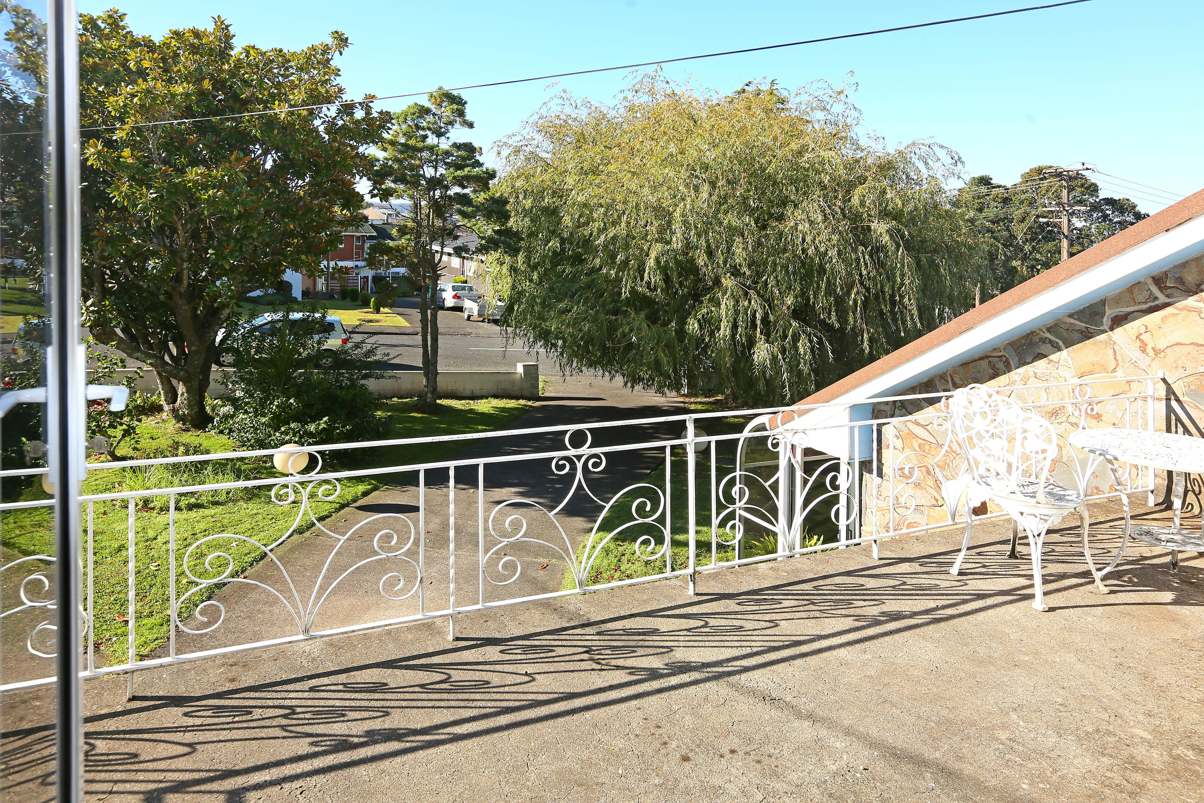 21 Lyndhurst Road, Te Atatu South