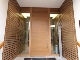 Neu gestalteter Eingangsbereich für Bank Schilling in Hammelburg