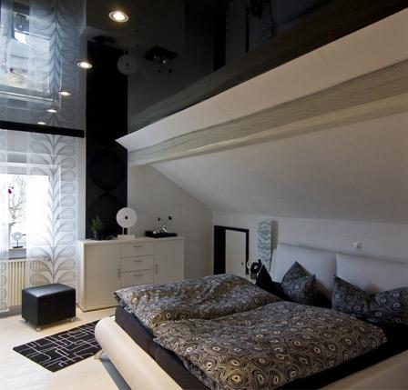 Hochglanzdecke im Schlafzimmer