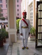 Türsteher am Hotel in Jaipur