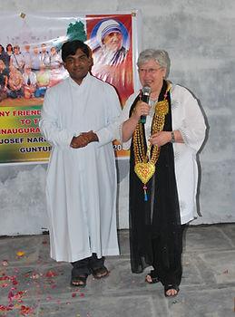 Father Allam mit Michaele Hammer