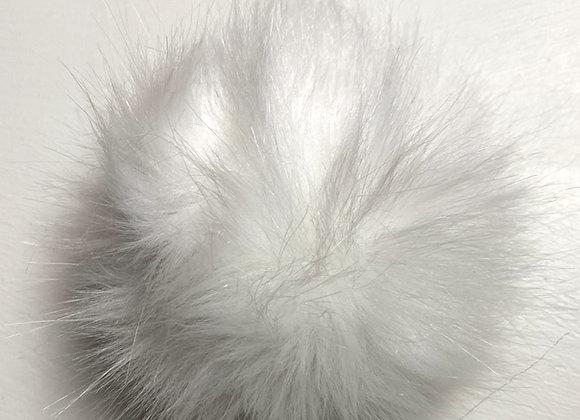 Dusk i fuskepels - hvit