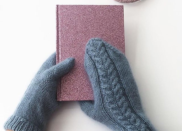Curvy Cable Mittens
