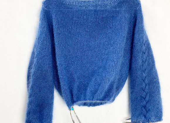 Fluffy Cable Sweater - English pattern