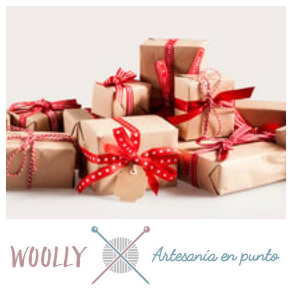 Woollyhandmade; artesanía en punto para tu bebé; canastilla; hecho a mano
