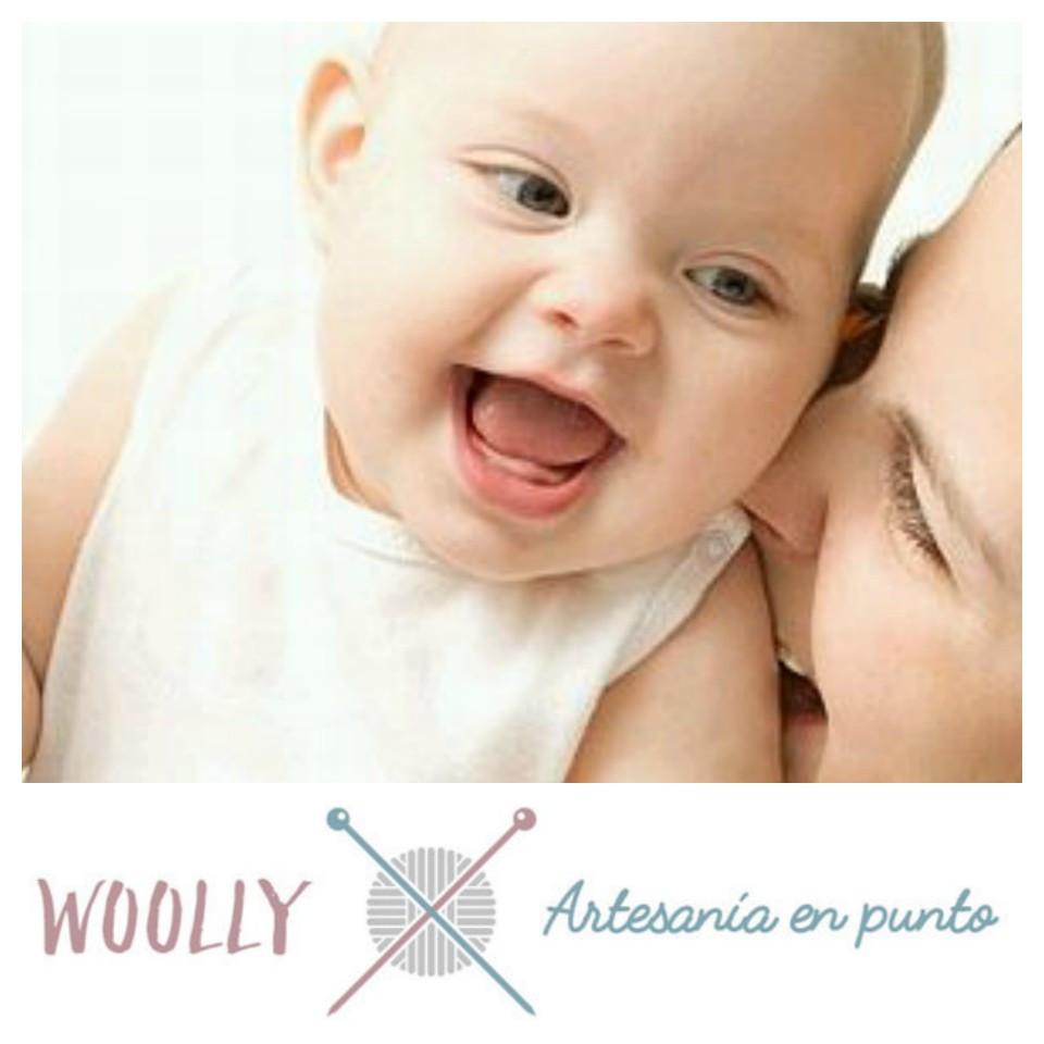 WoollyHandmade, ropa de bebé; artesanía en punto para bebé; canastilla