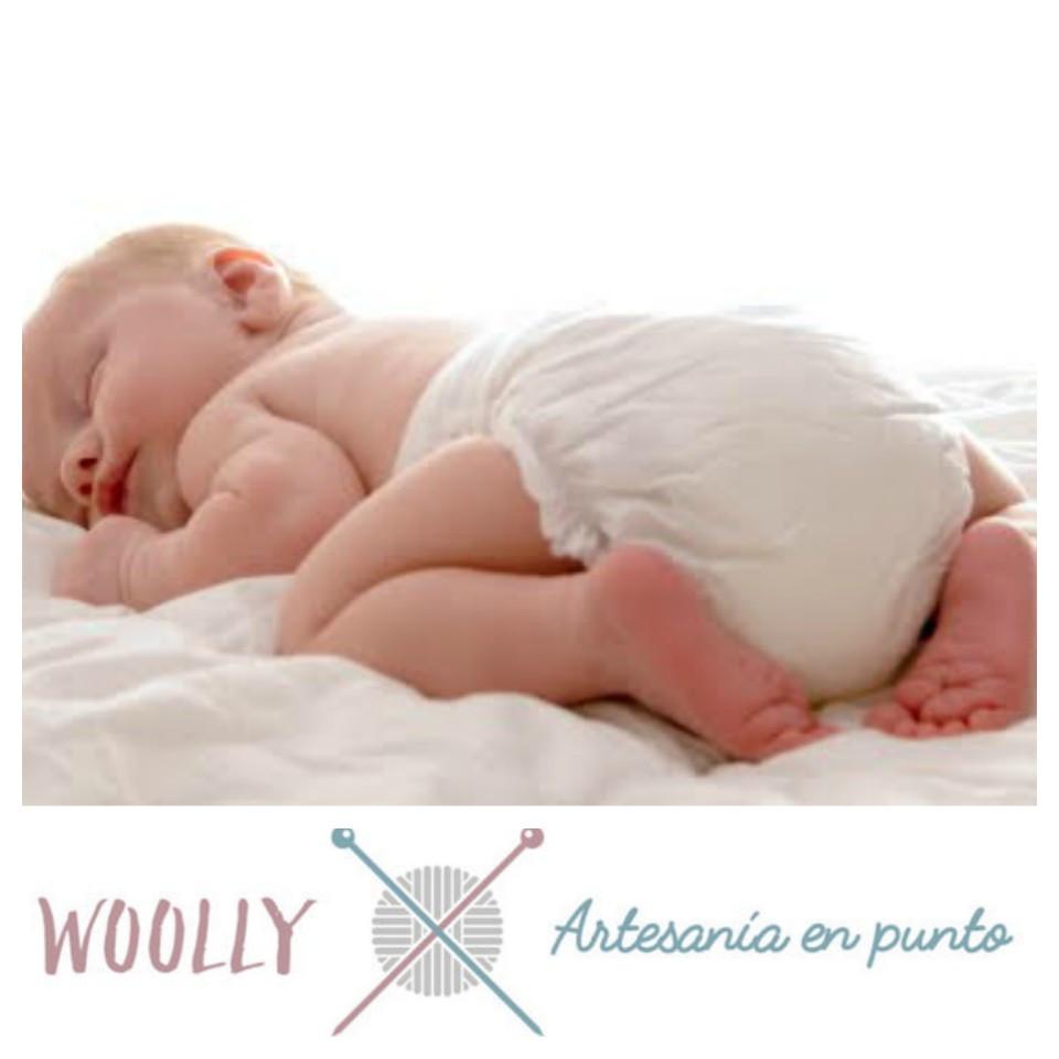 Wooly Handmade; artesanía en punto para bebé; canastilla
