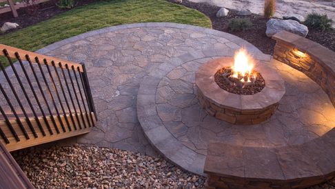 Fire Pits & Outdoor Living