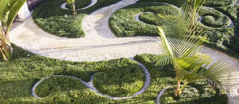 Landscaping Trend: Mixing Mediums & Textures to Create Outdoor Works of Art