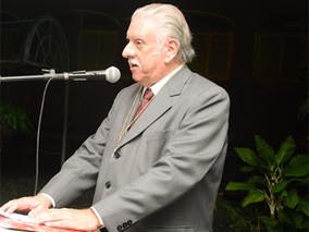 Ney Fernando Perracini de Azevedo é admitido na Ordem do Mérito Literário Jorge de Albuquerque Coelh