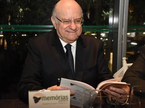 """Colunista do """"TOPVIEW JOURNAL"""" faz homenagem ao CENTRO DE LETRAS DO PARANÁ"""