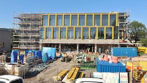 Stavba centrálního příjmu v Orlickoústecké nemocnici jde do finále