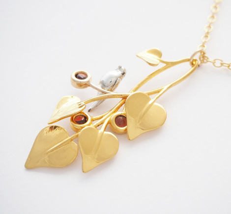 A Dove in Draping Vines Gold Red - close