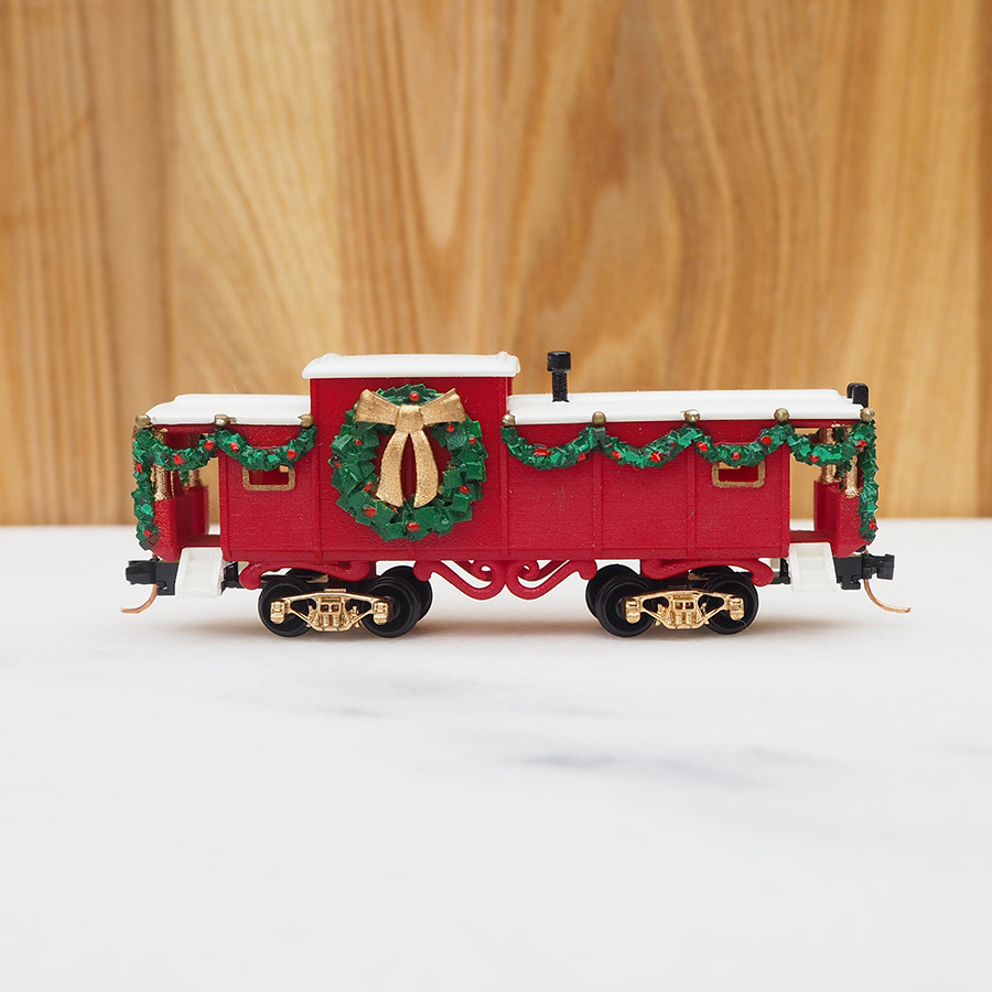 Christmas Caboose, Red - side