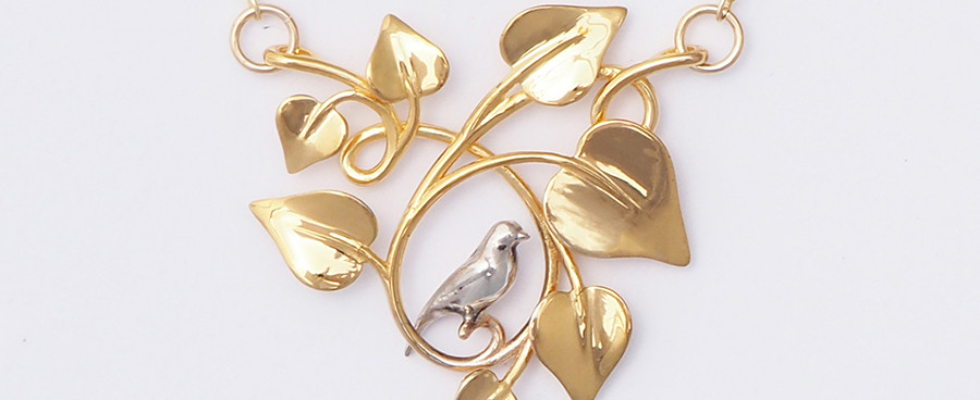 Dove Embraced, Gold-front