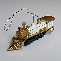 sml-W-TrainOrnament-2021_front.jpg