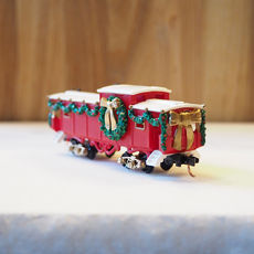 Christmas Caboose, Red