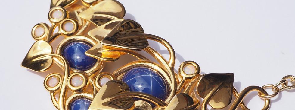 Midnight Stars, Gold - close up view