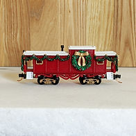 Kit1 Classic Christmas caboose-side.jpg