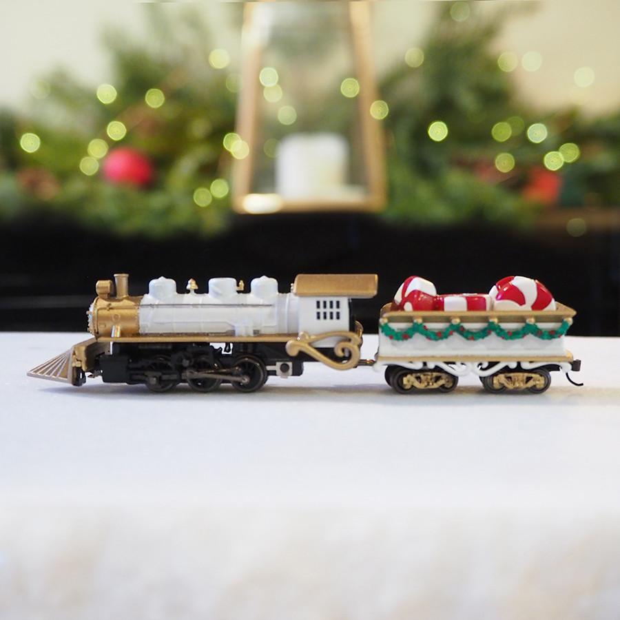 Locomotive Christmas Centerpiece, White - side