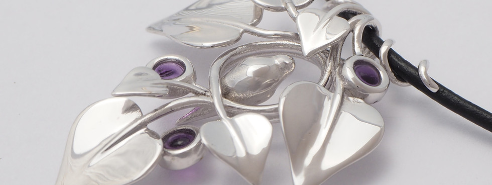 Nestled Bird, Silver - close up view