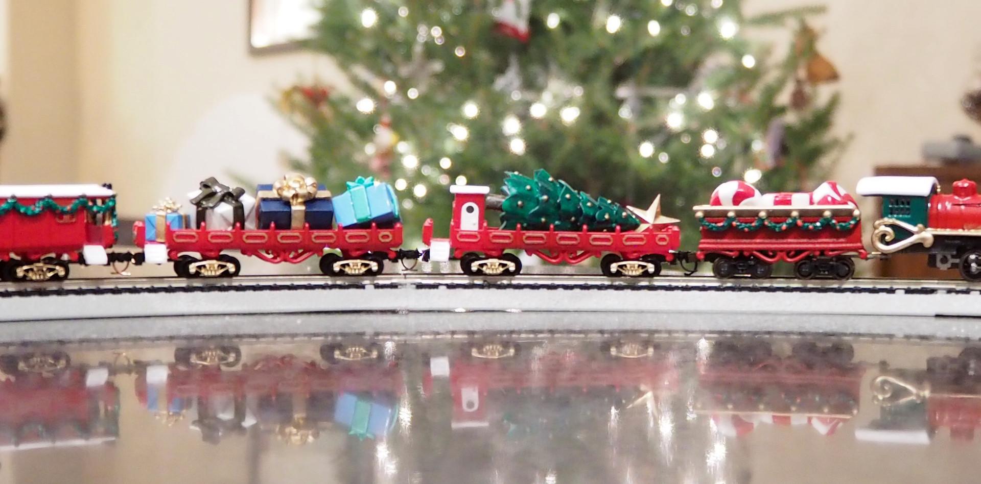 Classic Christmas, Full Train