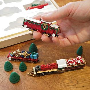 Kit1 Classic Christmas box-caboose in ha