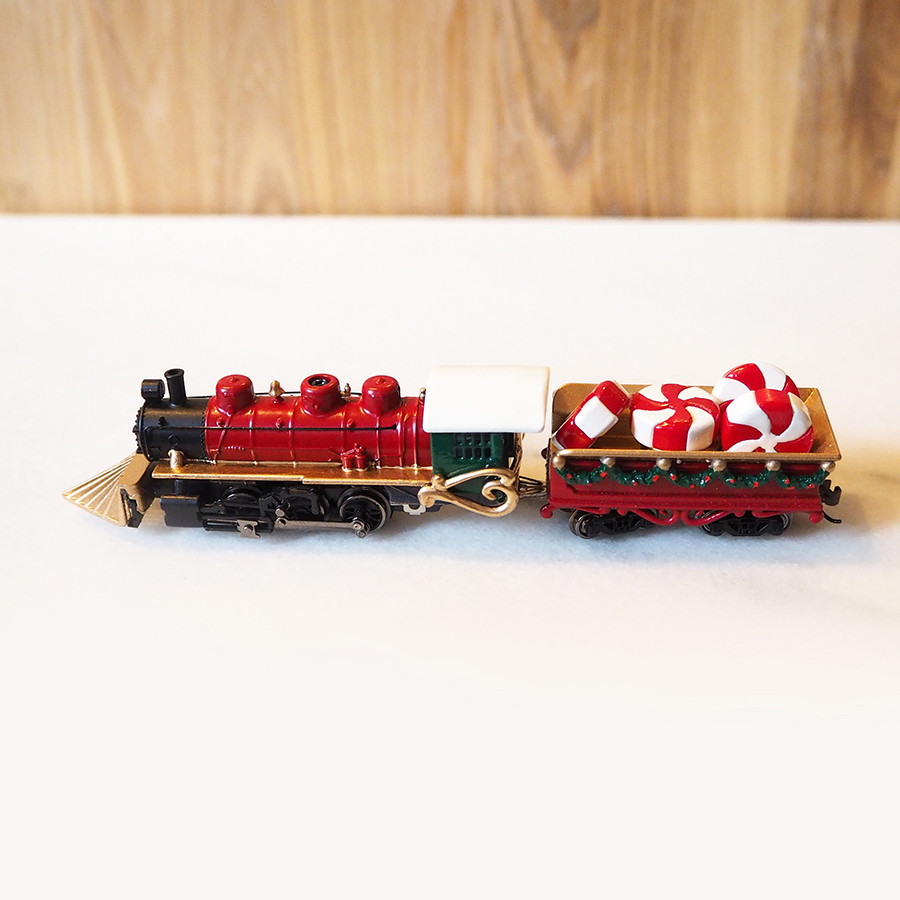 Classic Christmas Locomotive, Red - side